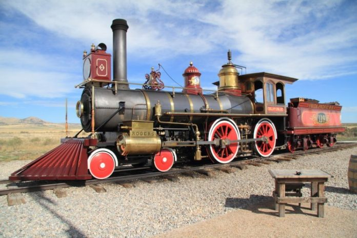locomotive du first transcontinental railroad